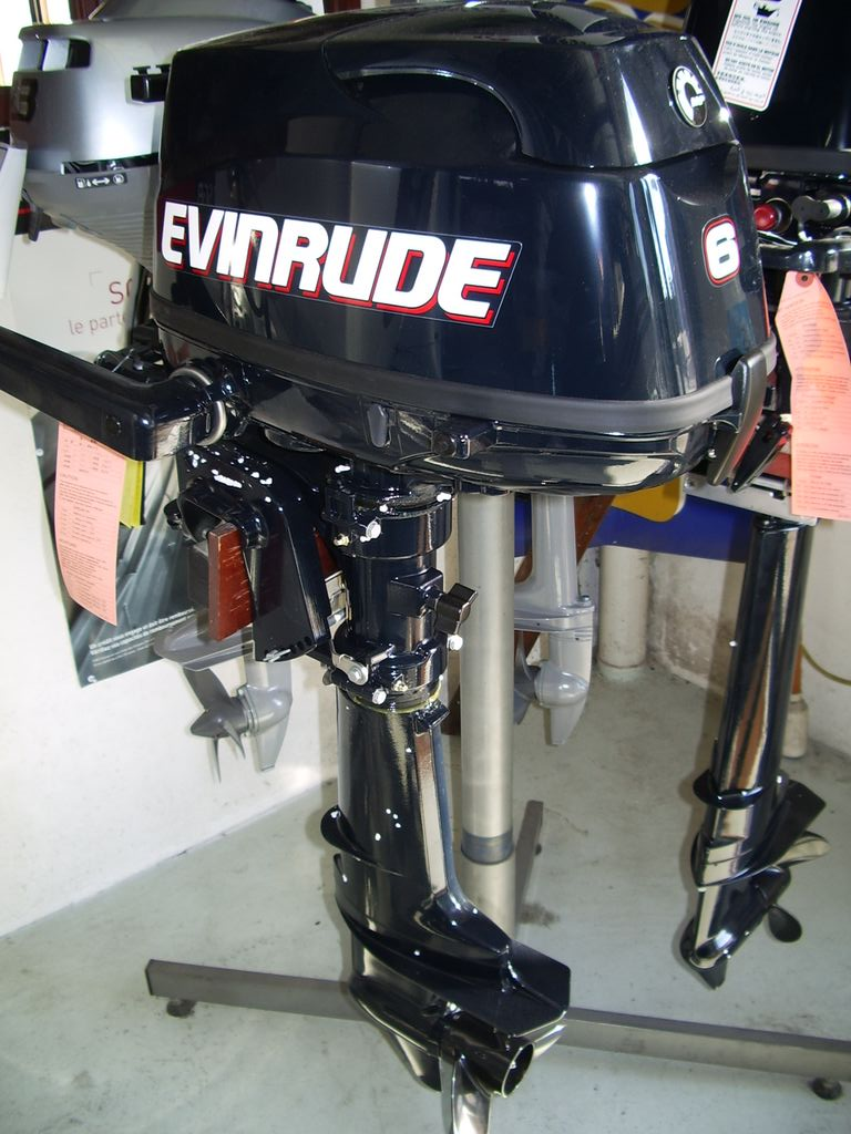 evinrude 6 cv 4 temps court vente de moteur bateau neuf figaro nautisme. Black Bedroom Furniture Sets. Home Design Ideas