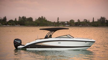 DISPONIBLE POUR LA SAISON 2017 : SEA RAY SPORT BOATS