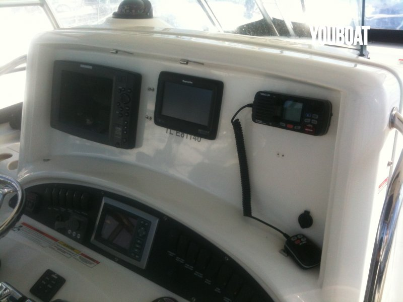 Boston Whaler 320 Cuddy à vendre - Photo 9