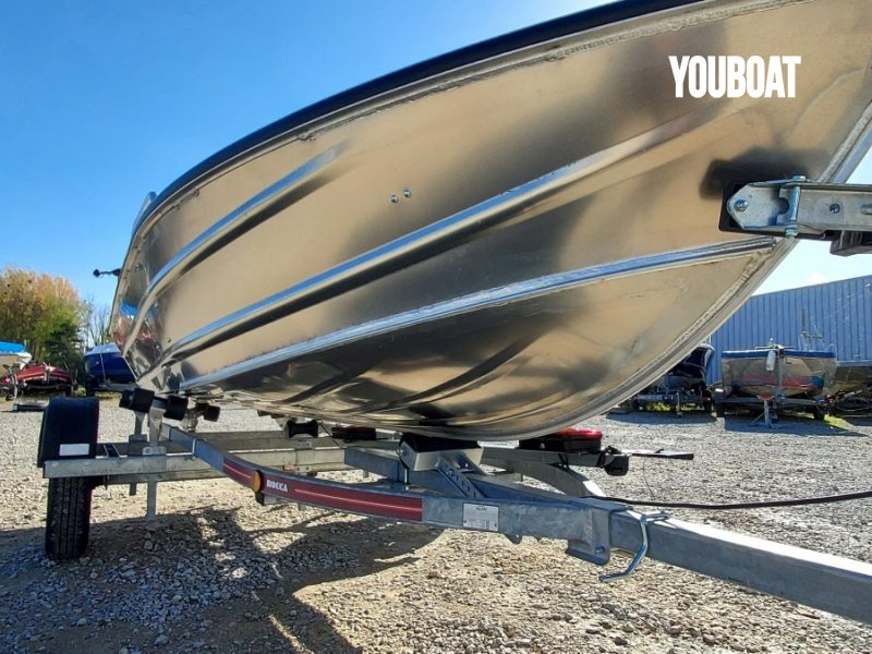 Selection Fishing Barque Discovery 380 à vendre - Photo 9