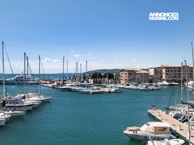 Ponton fixe d'amarrage PLACE DE PORT 16 x 4.30 PORT FREJUS � vendre - Photo 1