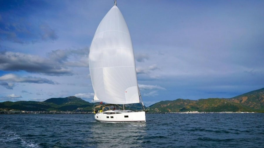 Jeanneau 51 for sale by