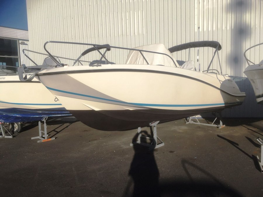 Quicksilver Activ 675 Open used