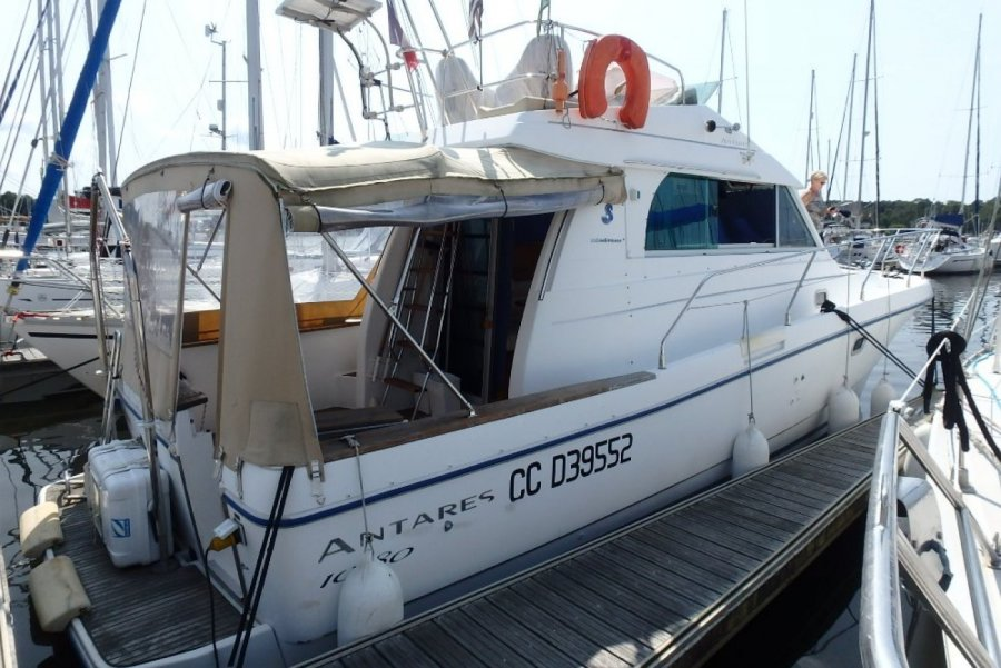 Beneteau Antares 10.80 Fly