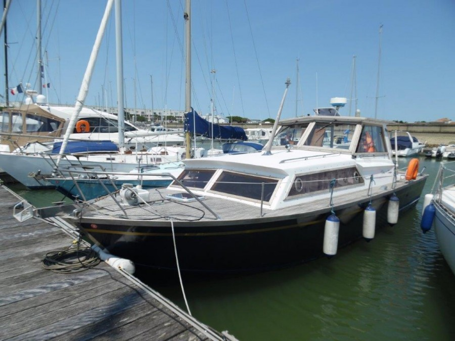 Chris Craft 33 Tri Cabin used