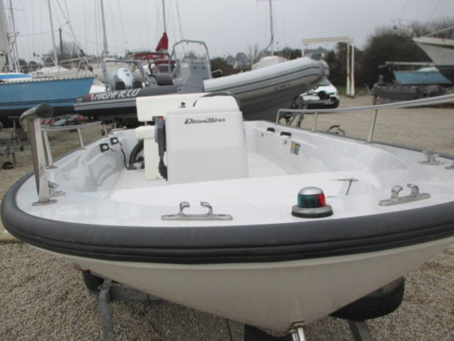 Boston Whaler 13 Dauntless à vendre par