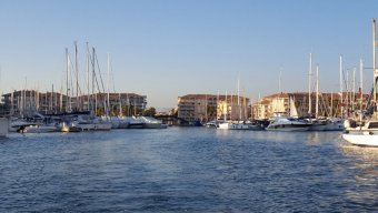 PLACE DE PORT 13 x 6.80 PORT FREJUS