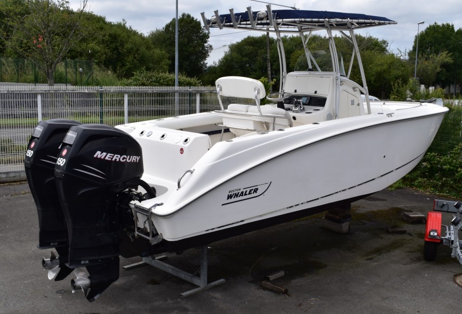 Boston Whaler 240 Outrage tweedehands