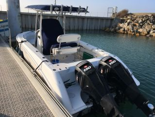 Boston Whaler 240 Outrage Occasion