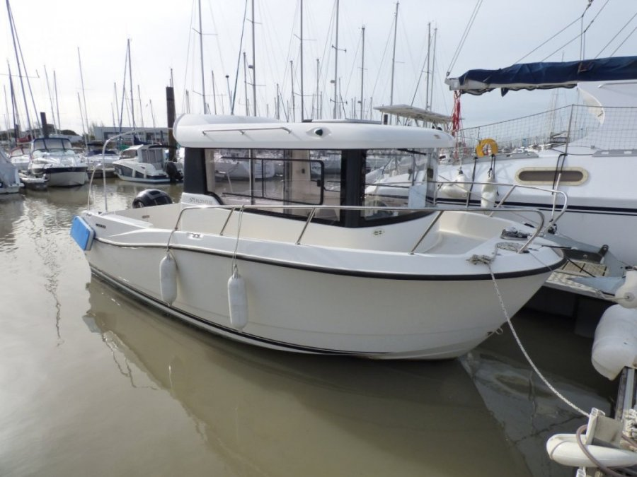 Quicksilver 675 Pilothouse à vendre par