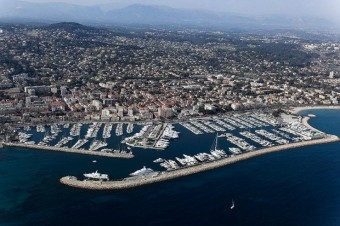 Place de port Antibes Camille Rayon 16,5 x 5,5m