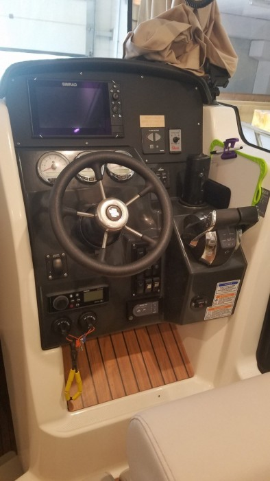 Quicksilver 905 Pilothouse used