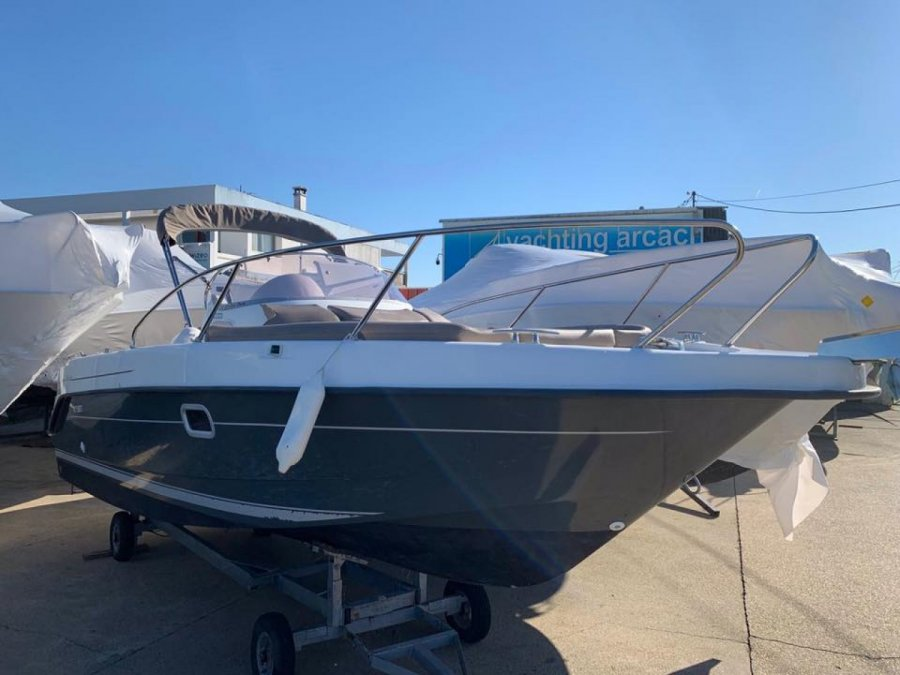 B2 Marine Cap Ferret 672 Sun Deck tweedehands