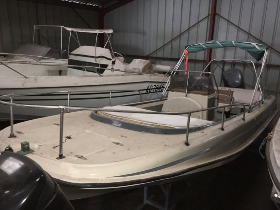 Boston Whaler 21 Outrage occasion