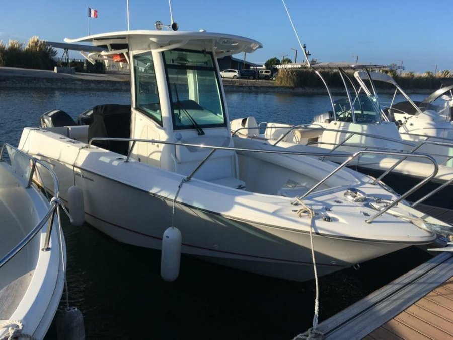 Boston Whaler 250 Outrage used