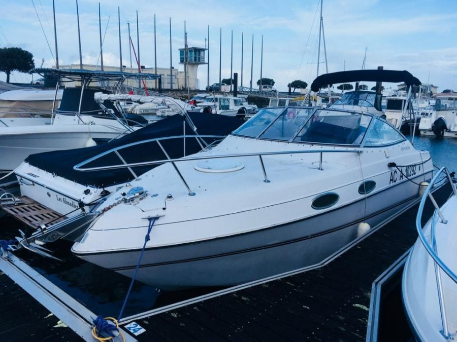 Four Winns Vista 238 used