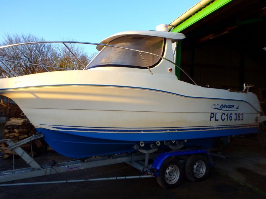 Quicksilver Arvor 210 used