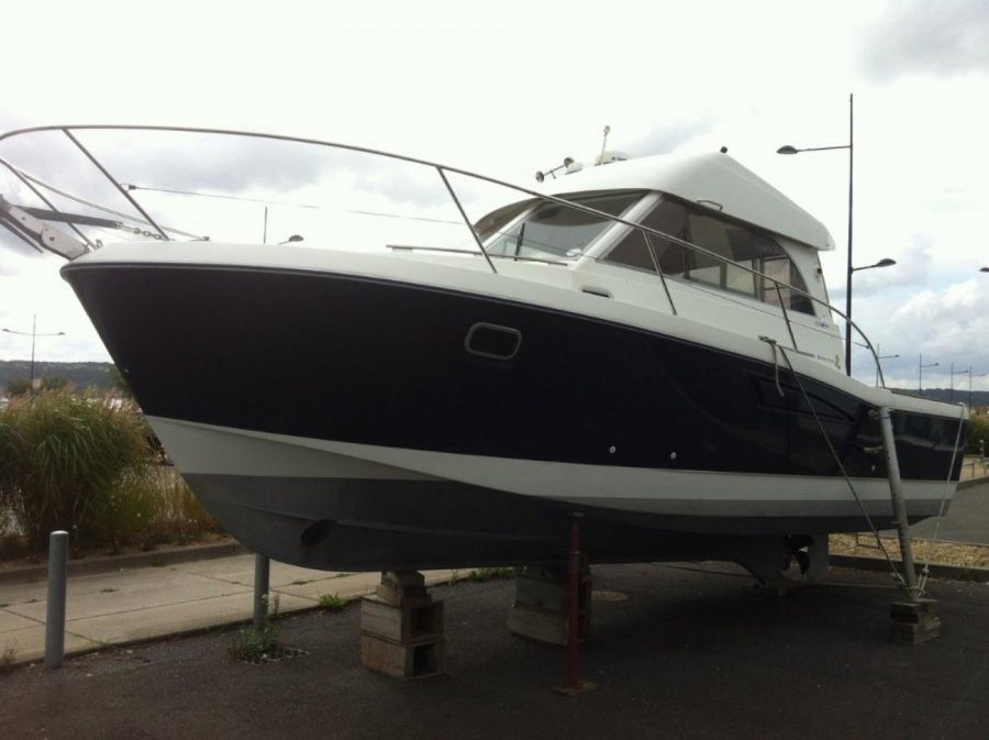 Beneteau Antares Serie 9 used
