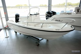 achat bateau Boston Whaler Boston Whaler 190 Outrage BARCARES YACHTING