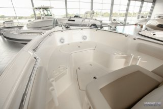 Boston Whaler Boston Whaler 230 Outrage à vendre - Photo 4