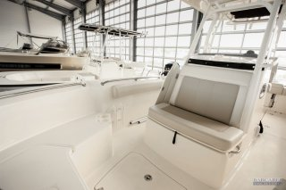 Boston Whaler Boston Whaler 230 Outrage à vendre - Photo 5
