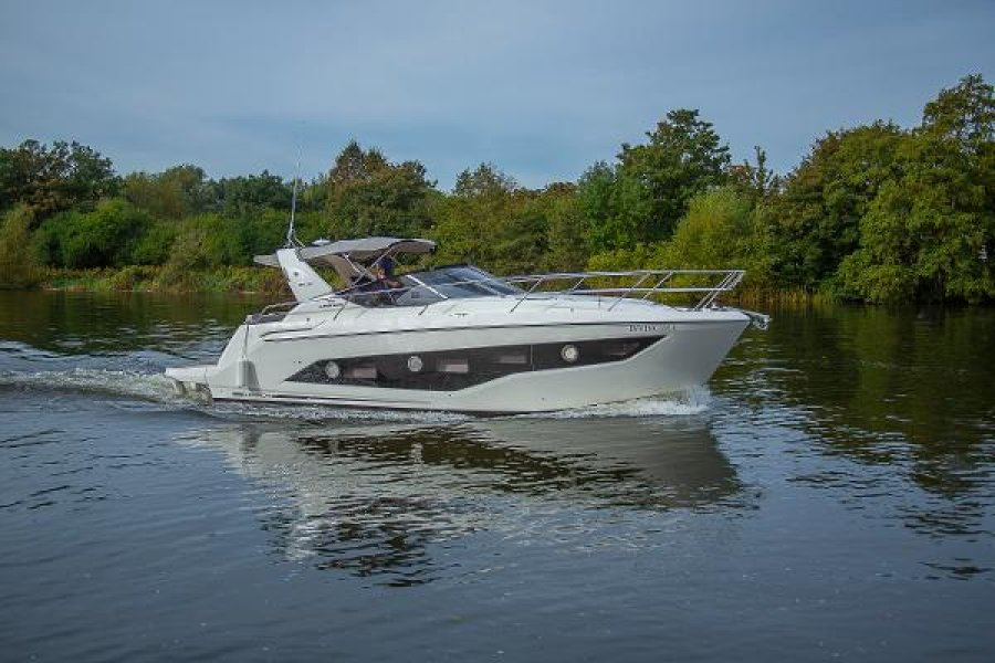 Cranchi Z 35 for sale by