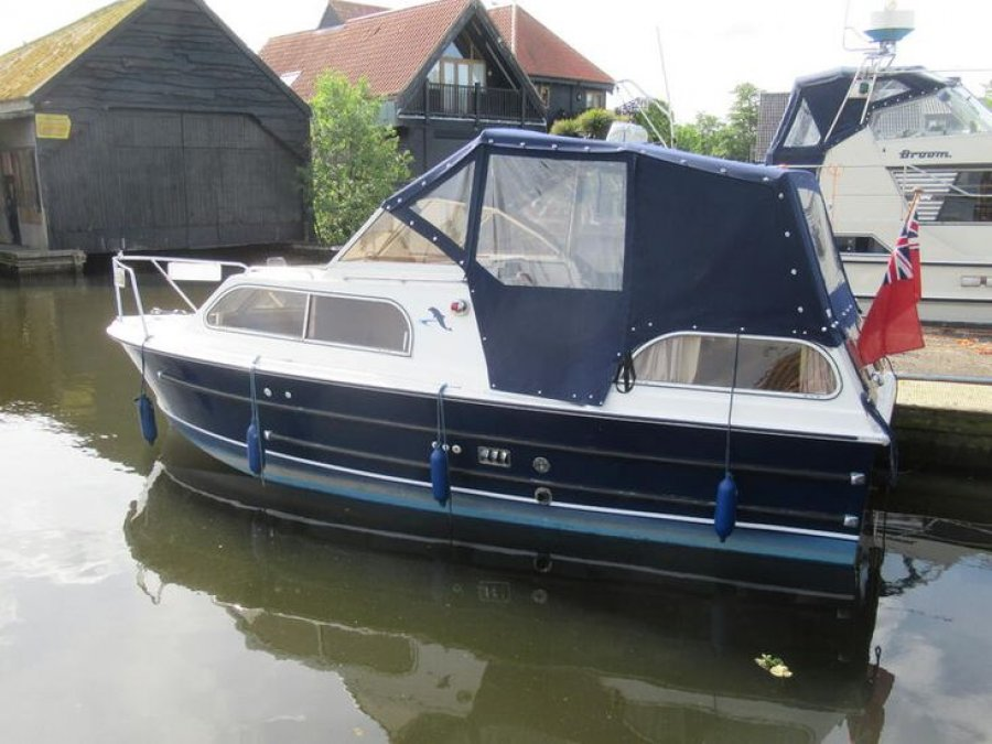 Dolphin 22 for sale by