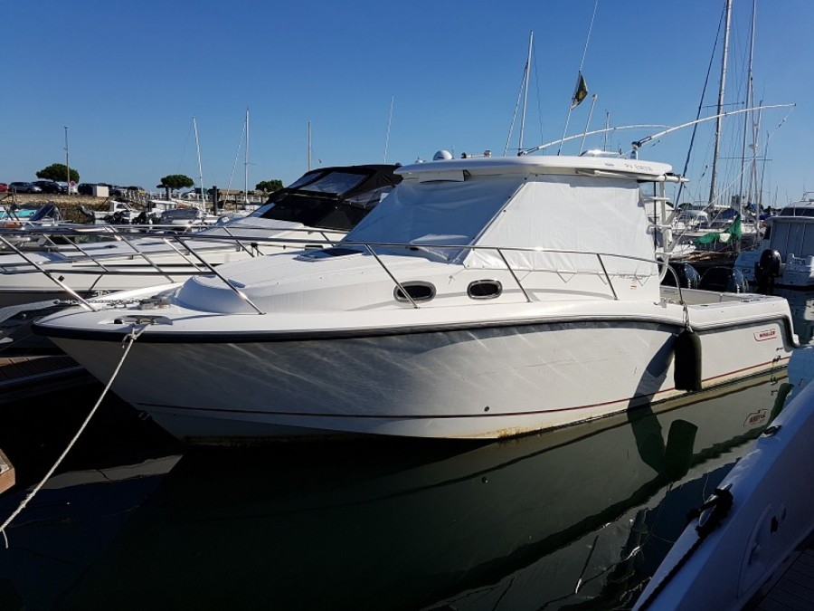 Boston Whaler 315 Conquest à vendre par
