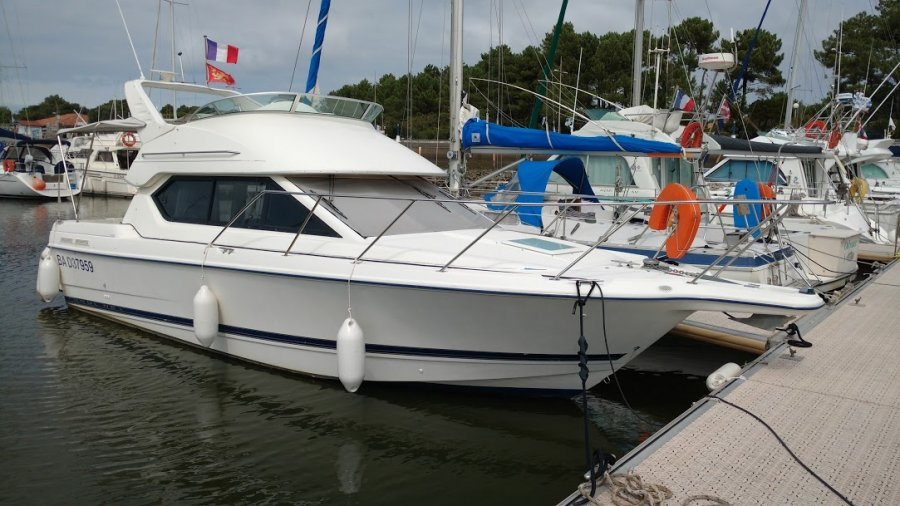 Bayliner 288 Fly tweedehands