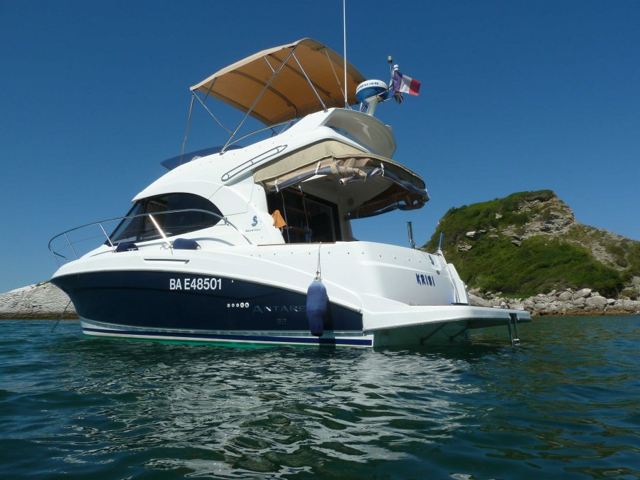 Beneteau Antares 32 used