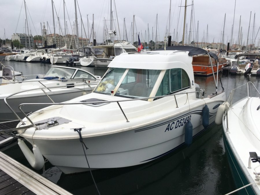 Beneteau Antares 650 HB used