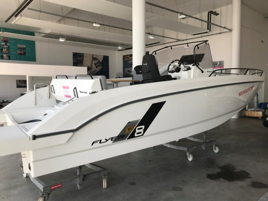 Beneteau Flyer 8 SPACEdeck neuf