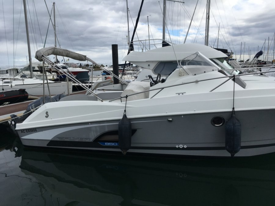 Beneteau Flyer 850 Sun Deck tweedehands
