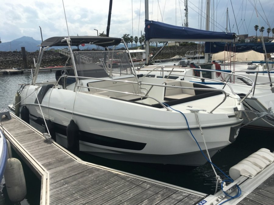 Beneteau Flyer 8.8 SPACEdeck tweedehands