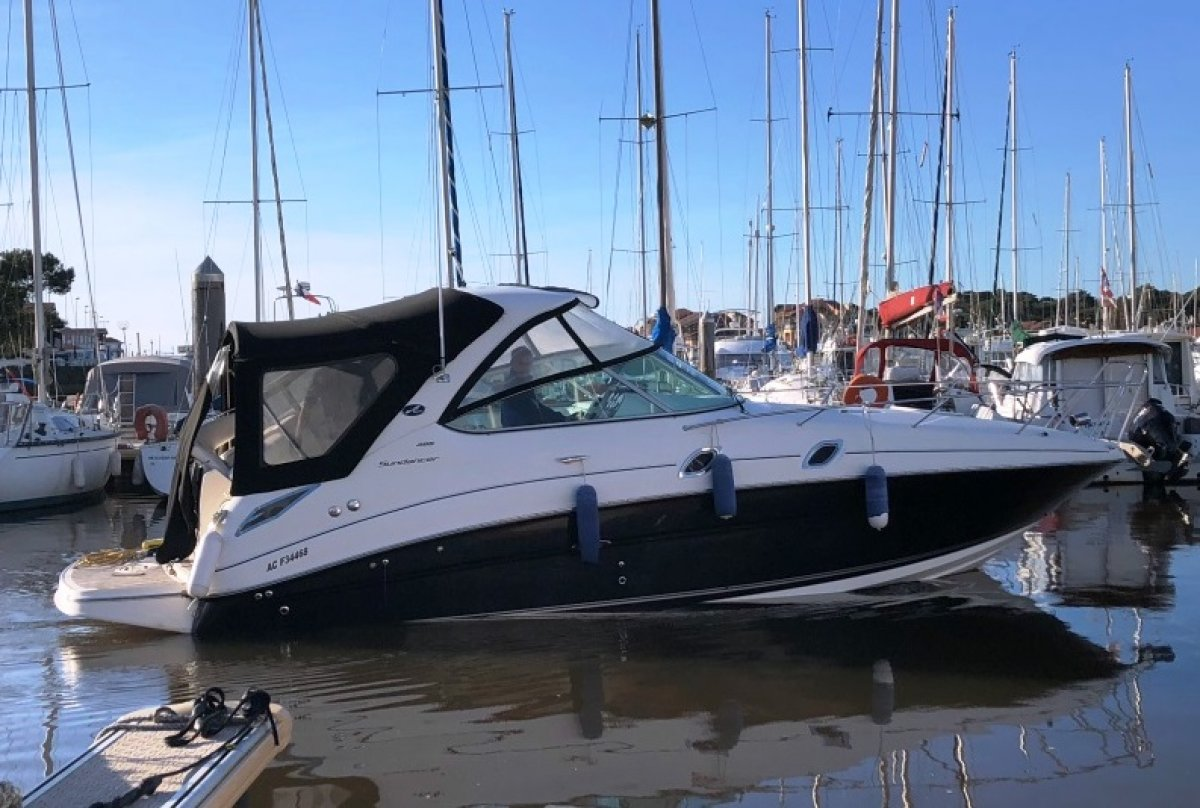 Sea Ray 305 Sundancer used