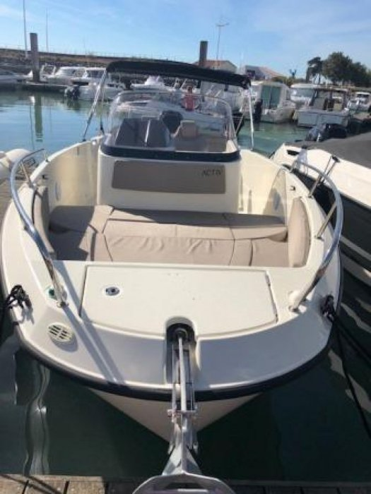 Quicksilver Activ 755 Open used