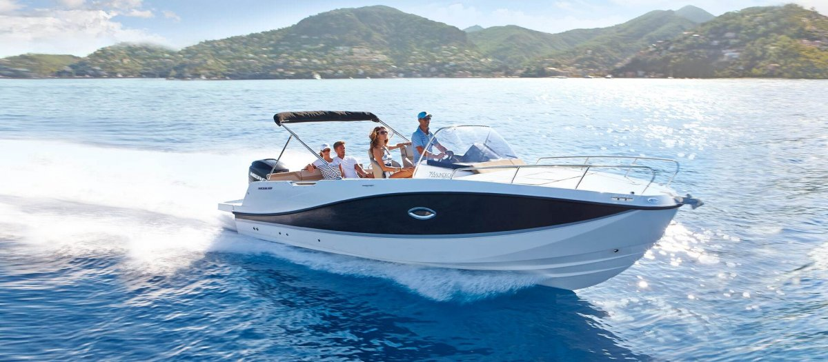 Quicksilver Activ 755 Sundeck new