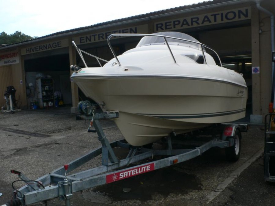 Quicksilver 510 Cruiser à vendre par