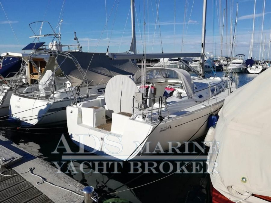 Hanse 400 E for sale by