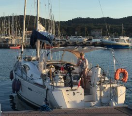 Voilier Beneteau Oceanis 40 occasion - BJ YACHTING