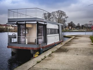 House Boat Cub Mini Max for sale | Youboat UK